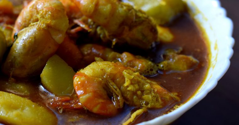 Prawn Curry With Potato and Pointed gourd